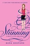 Stunning (seria Micutele Mincinoase, volumul 11) - Sara Shepard